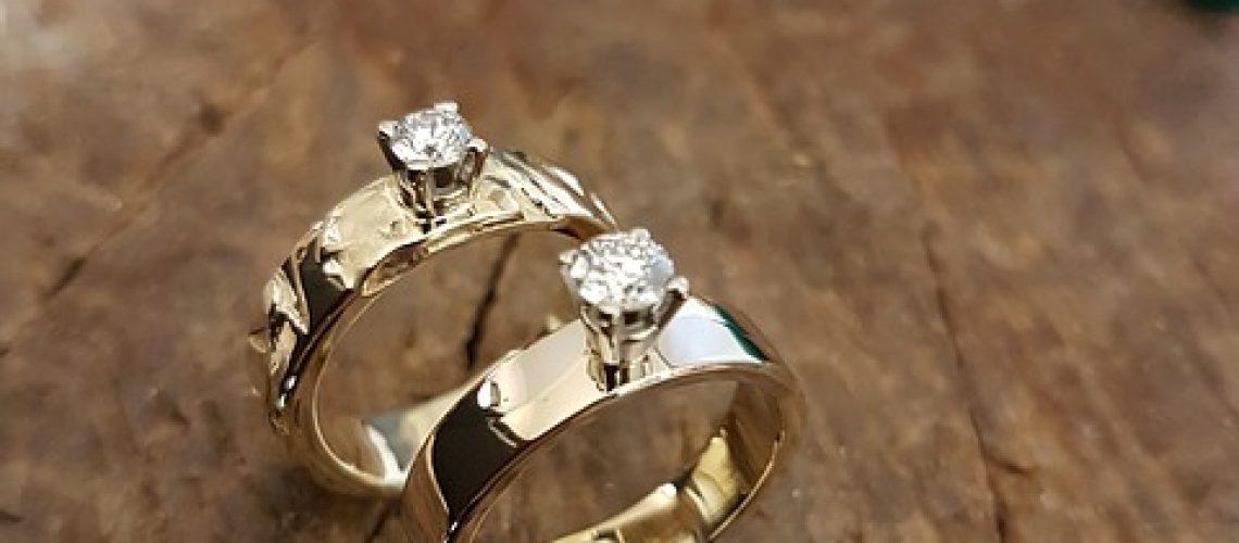 Designed diamond rings